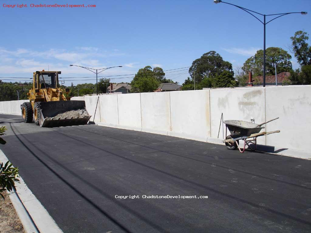 Graffiti cleaned off walls at Middle Rd service lane - Chadstone Development Discussions